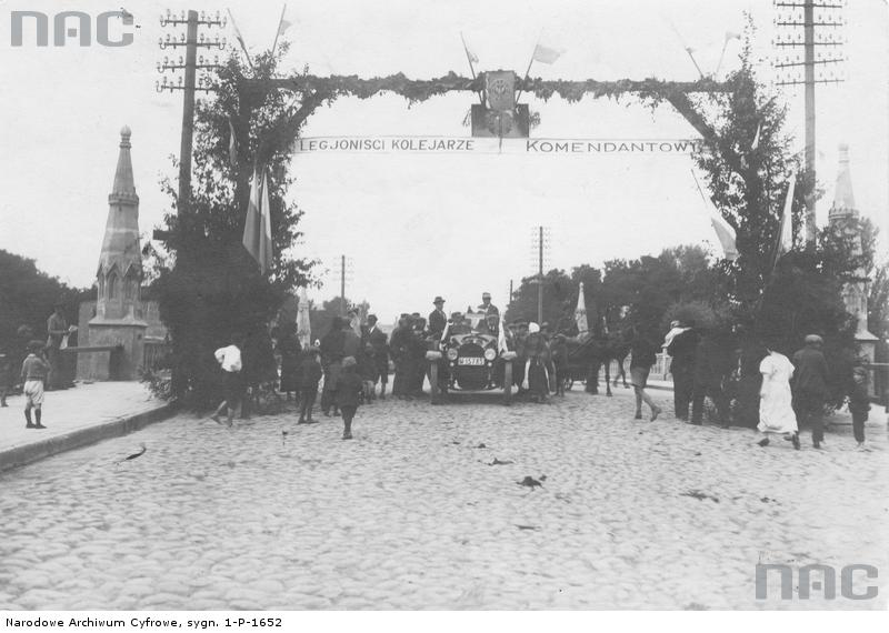 PIC_1-P-1652 Obchody X-lecia legionów - sierpień 1924